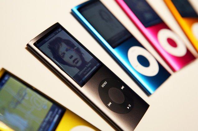 <p>Apple heeft de iPod Shuffle en Nano uit de verkoop gehaald. De twee iPods zijn zonder aankondigingen opeens uit de Apple Store verdwenen. Daarna heeft Apple bevestigd tegen The Verge, [&hellip;]</p>