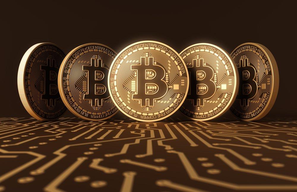 <p>Bitcoin heeft gister een waarde van 10.000 dollar gehaald. Het wordt steeds populairder omdat de koers zo snel veranderd waardoor het interessant is om in te investeren. De waarde van [&hellip;]</p>